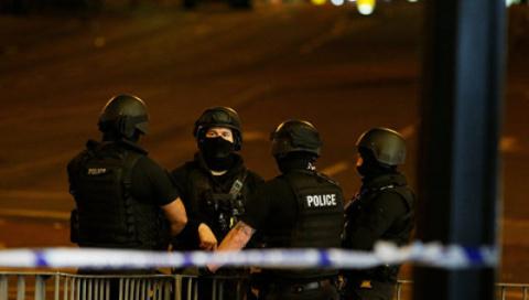 Новости мира: британские полицейские после теракта в Манчестере патрулируют пляжи