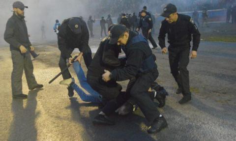 Полиция с удовольствием лупи…