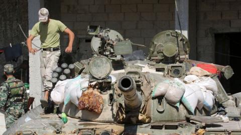 Армия Сирии взяла штурмом высоты рядом с главным форпостом ИГ в Хомсе