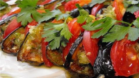 Кто любит турецкую кухню, тот оценит очень вкусные баклажаны по-турецки