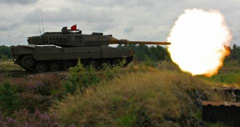 Самолеты не летят, танки не стреляют: армия ФРГ стала жертвой «женской руки»
