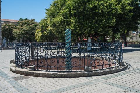 Змеиная колонна в Стамбуле или Античный греческий артефакт на Площади Ипподром