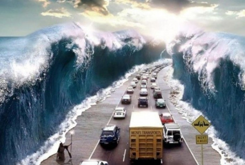 Дорога, разделяющая море: эт…