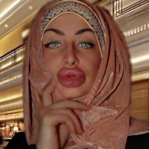 Афганская блогерша взорвала интернет своей внешностью