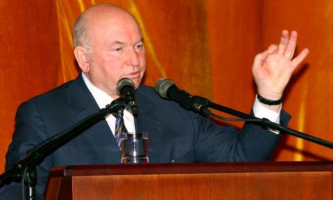 Лужков вернулся в политику и…