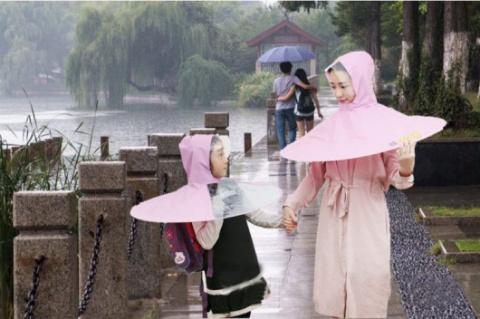 Зонты больше не нужны (4 фото)