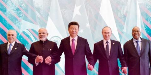 За мир без доллара и санкций: как БРИКС из «пятерки» превращается в «десятку»