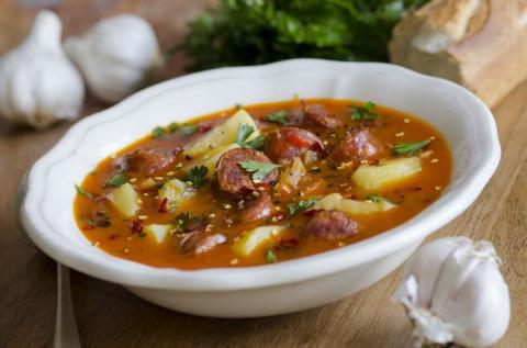 ДЕНЬ ПЕРВОГО БЛЮДА. Испанский суп с колбасками
