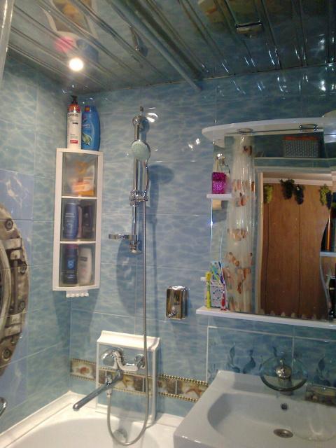 Маленькая ванна: до, во время и после ремонта