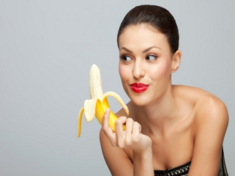 Как правильно очистить банан....