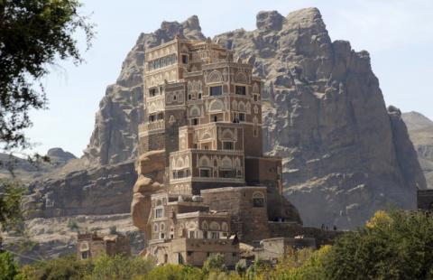 Дар-аль-Хаджар – дворец на скале