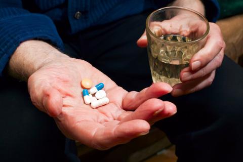 Побочные реакции лекарств уносят больше человеческих жизней, чем автокатастрофы