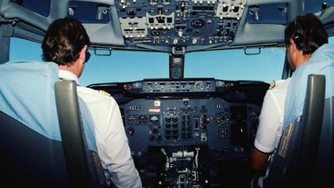 Прокурор: к работе с самолетами допускают недоучек