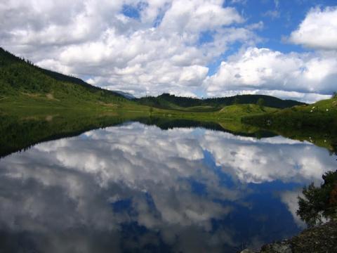 Самые жуткие озёра мира (13 фото)