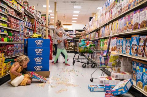 Забавный фотопроект о семейных трудностях и радостях воспитания детей
