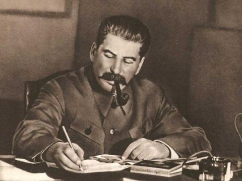 Где прятался Сталин в первые…