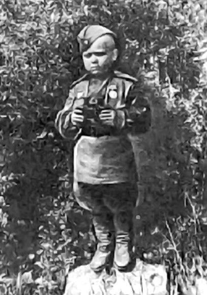 6 лет было сыну полка, Сереж…