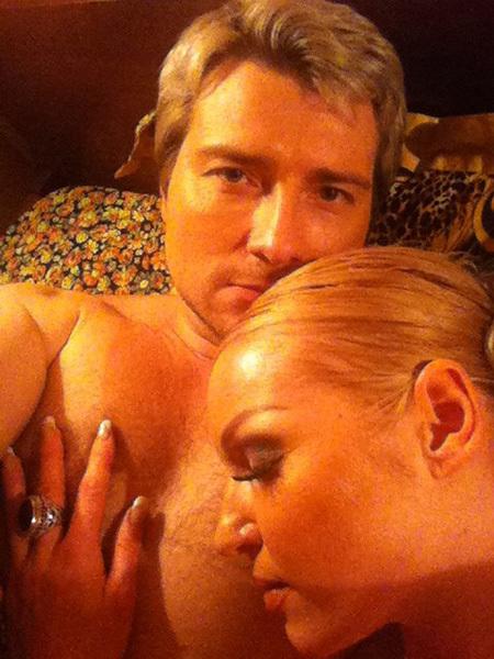 Басков провёл ночь в постели с Волочковой