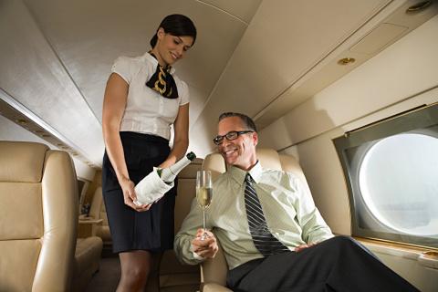 Откровения стюардесс: что происходит на борту частных самолетов
