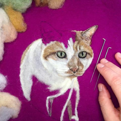 Картина шерстью - художник создает реалистичные портреты
