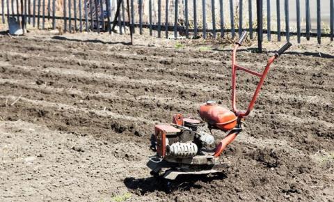 Как хранить садовую технику …