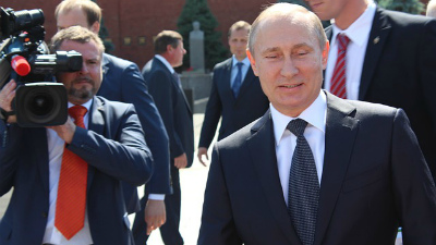 Путин принял досрочную отста…