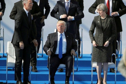 Трамп и НАТО: бычок на лбу не затушил - и на том спасибо. Ю. Витязева