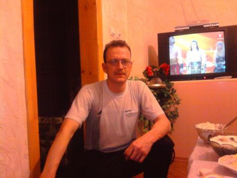 Олег Власенко
