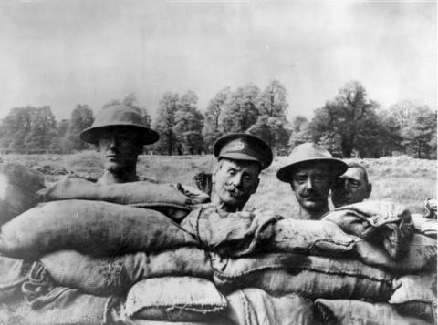 Головы из папье–маше, 1915 г…