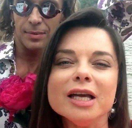 «Позорное» селфи Наташи Королевой с Тарзаном и сыном возмутило фанатов