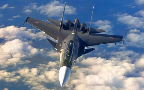 Российский истребитель напуг…