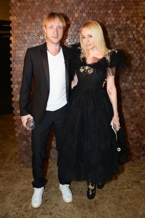 Бальные танцы, черная икра и шампанское: звезды отпраздновали премьеру фильма с Димой Биланом «Герой»