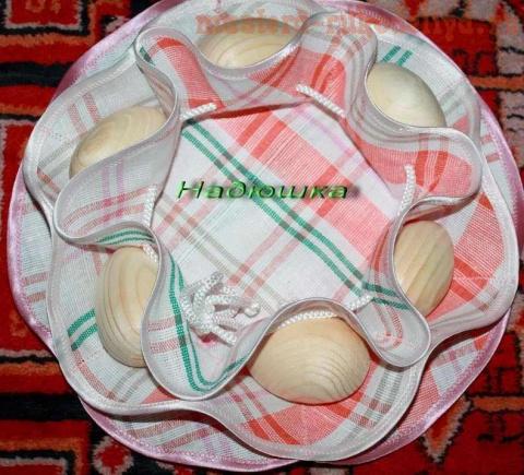 Салфетка для пасхальных яиц.