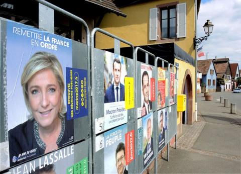 Франция сегодня выбирает нов…