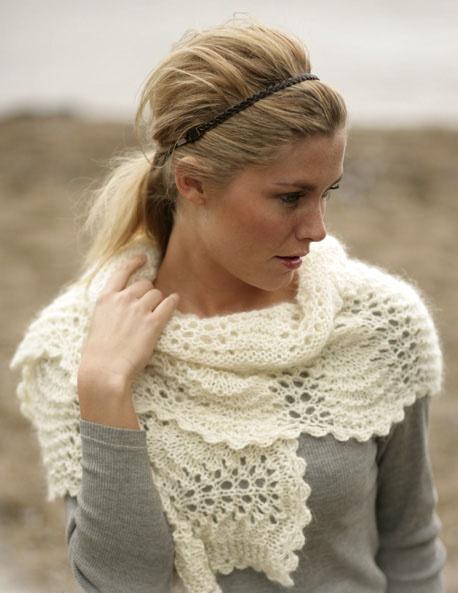 Нежный ажурный шарф спицами