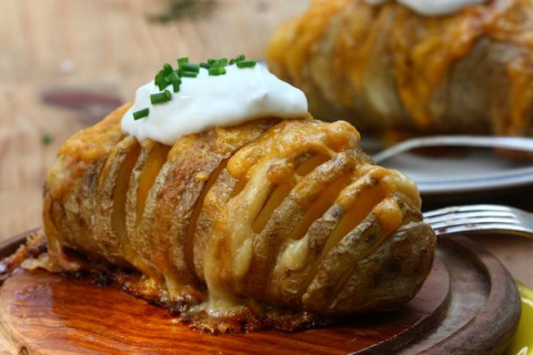 Запеченный с сыром картофель