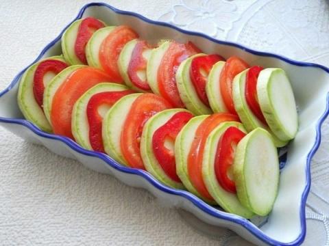 Запеканка из свежих овощей - настоящая находка для дачника!