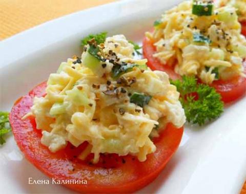 """Закуска """"Салат на помидорах"""""""