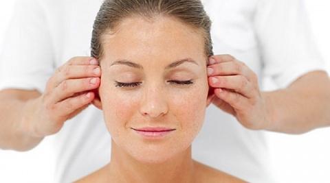 Всего 3 минуты внимания вашим ушкам по утрам даст потрясающий эффект!