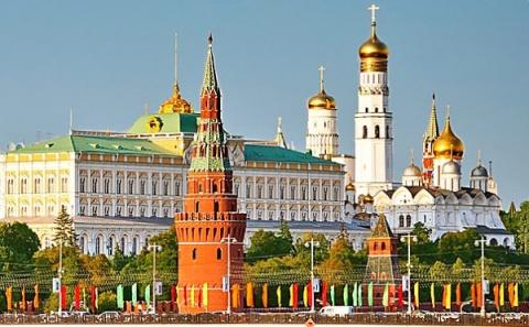 """Кремль ответил """"запуганному"""" Россией НАТО"""