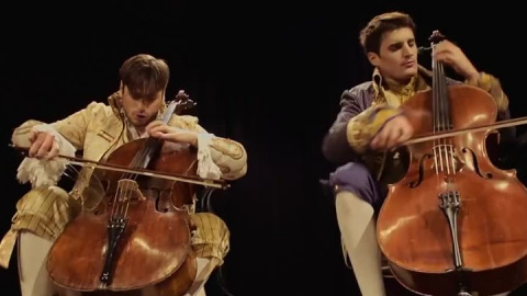 "2CELLOS - ""Thunderstruck"" - …"