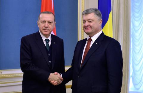 Эрдоган заверил Порошенко, что никогда не признает Крым российским