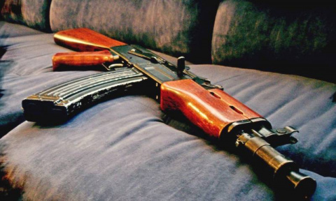 Работа механизмов АК-47 изну…