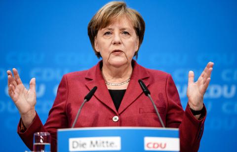Меркель назвала Россию силой…