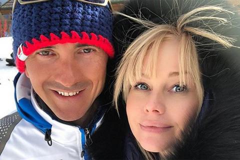 Изменившаяся Елена Корикова показала фото с красавцем- мужчиной