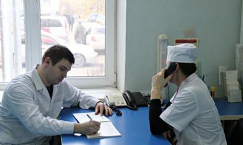 Крымским врачам пообещали по…