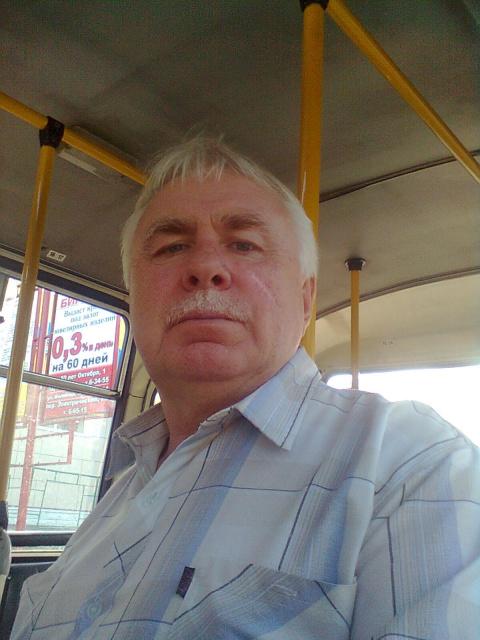 Анатолий Семенов