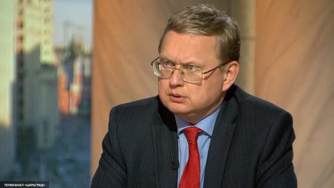 Делягин: Скоро правительство Медведева эволюционирует до орудий труда в передних лапах