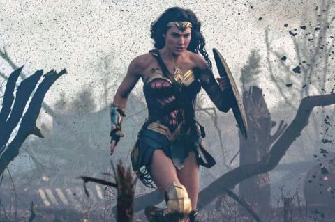 Кино: Чудо-Женщина выигрывае…
