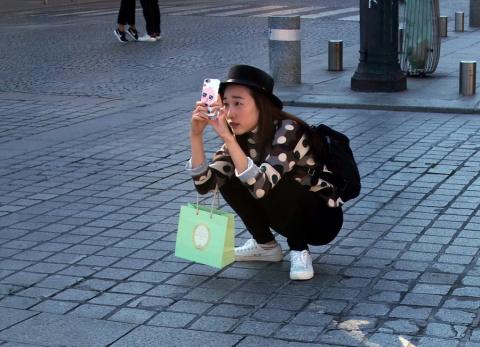 12 кадров о японцах: как отличить в Париже японца от китайца